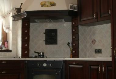 kuchnia klasyczna ciemna