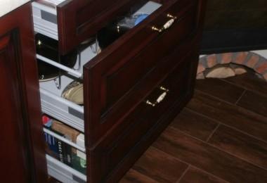 kuchnia klasyczna szuflady