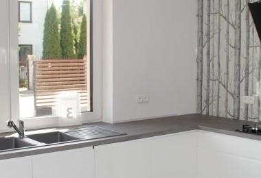 białe drzwiczki kuchenne