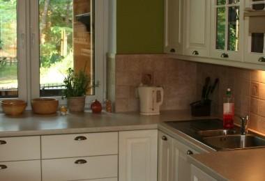 białe meble kuchenne prowansalskie