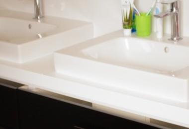 białe meble łazienkowe na wymiar