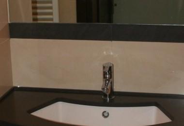 szafka łazienkowa z lustrem na wymiar