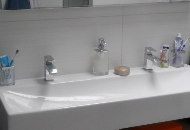 zabudowa umywalki na wymiar