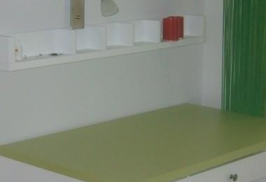 białe biurko na wymiar