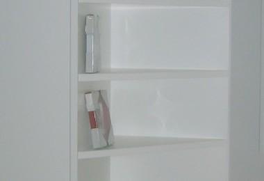 szafa z półkami na zamówienie